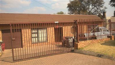 Johannesburg, Risana Property    Houses For Sale Risana, Risana, House 5 bedrooms property for sale Price:1,295,000
