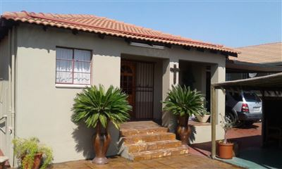 Witbank, Blancheville Property  | Houses For Sale Blancheville, Blancheville, Townhouse 3 bedrooms property for sale Price:900,000