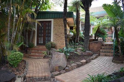 Property and Houses for sale in Moreleta Park, House, 4 Bedrooms - ZAR 2,985,000