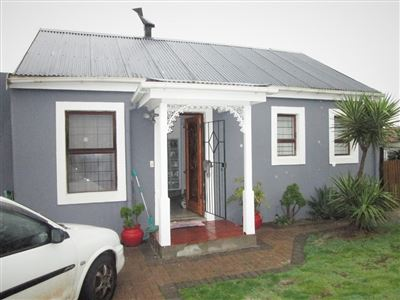 Townhouse for sale in Protea Village