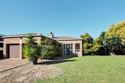 Kraaifontein, Uitzicht Property    Houses For Sale Uitzicht, Uitzicht, House 3 bedrooms property for sale Price:2,250,000