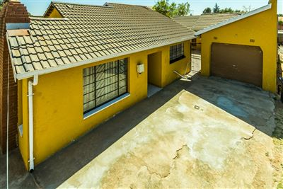 Soweto, Diepkloof Property  | Houses For Sale Diepkloof, Diepkloof, House 3 bedrooms property for sale Price:980,000
