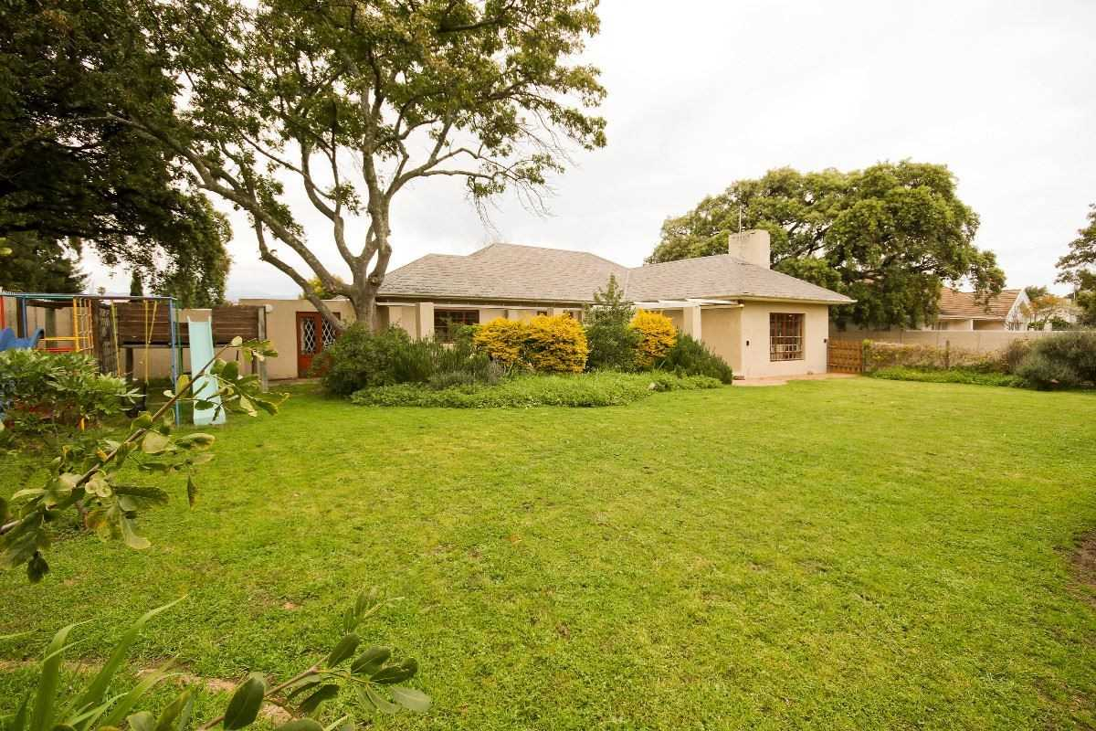 Lovely Family Home in Somerset West