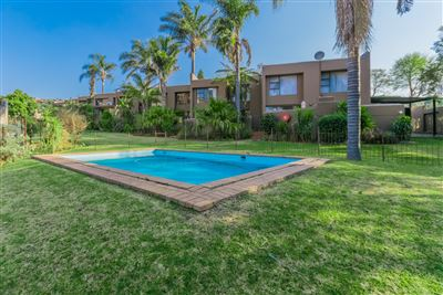 Roodepoort, Roodekrans Property  | Houses For Sale Roodekrans, Roodekrans, Townhouse 3 bedrooms property for sale Price:1,399,000