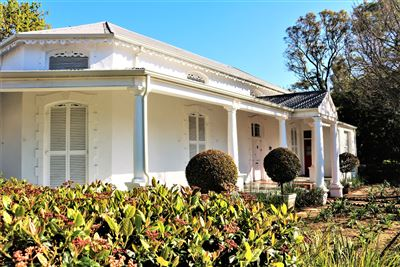 Property and Houses for sale in Paarl Central, House, 5 Bedrooms - ZAR 6,850,000