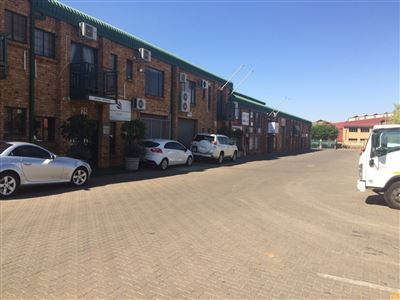 Property and Houses to rent in Hennopspark, Commercial - ZAR , 17,00*,