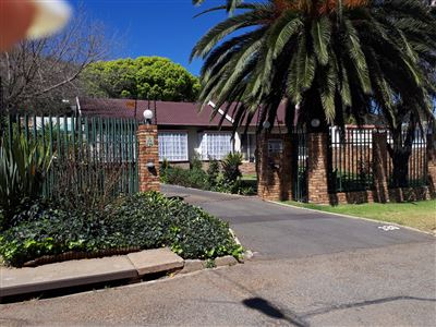 Johannesburg, Mondeor Property  | Houses For Sale Mondeor, Mondeor, House 4 bedrooms property for sale Price:2,250,000