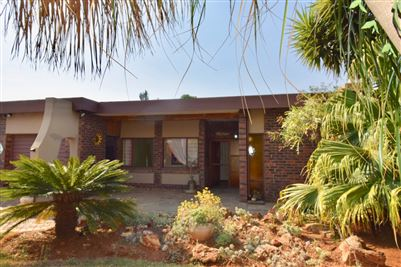 Property and Houses for sale in Kilner Park, House, 4 Bedrooms - ZAR 1,400,000
