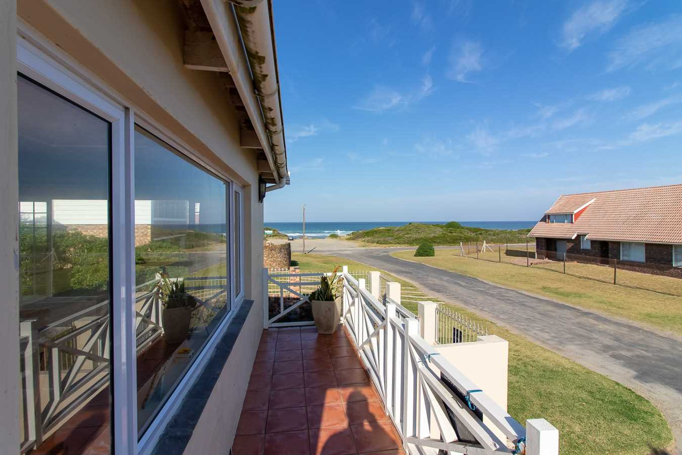 Three Bedroom Home on the Beachfront in Port Alfred