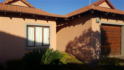 Property and Houses for sale in Savannah Country Estate, House, 4 Bedrooms - ZAR 1,900,000