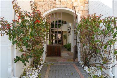 Durbanville, Vierlanden Property    Houses For Sale Vierlanden, Vierlanden, House 4 bedrooms property for sale Price:5,500,000