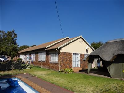 Property and Houses for sale in Mayberry Park, House, 4 Bedrooms - ZAR 1,499,000