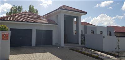 Durbanville, Durbanville Central Property  | Houses For Sale Durbanville Central, Durbanville Central, House 3 bedrooms property for sale Price:3,350,000