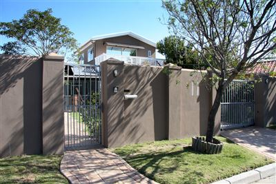 House for sale in Bothasig