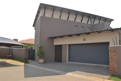 Townhouse for sale in Baillie Park