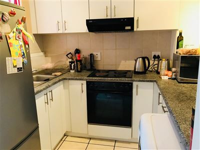 Property and Houses for sale in Burgundy Estate, Apartment, 2 Bedrooms - ZAR 999,000