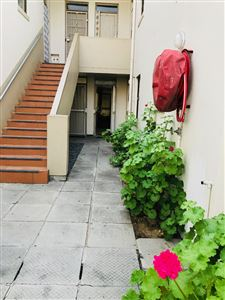 Property and Houses for sale in Parow Central, Apartment, 2 Bedrooms - ZAR 900,000