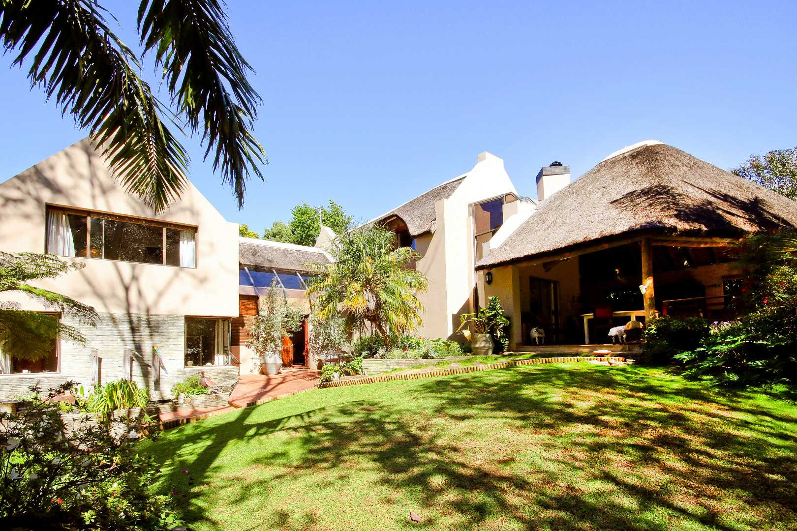 Immaculate Country Home in the Heart of Somerset West