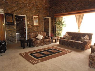 Die Heuwel property for sale. Ref No: 13682533. Picture no 7