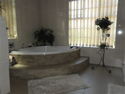 Die Heuwel property for sale. Ref No: 13682533. Picture no 16