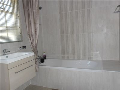 Die Heuwel property for sale. Ref No: 13682533. Picture no 22