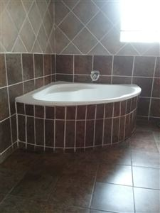 Die Heuwel property for sale. Ref No: 13682533. Picture no 28
