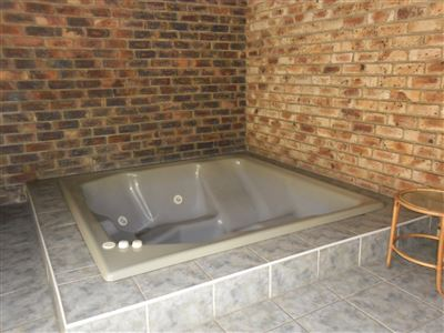 Die Heuwel property for sale. Ref No: 13682533. Picture no 33