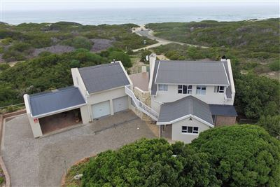 Property and Houses for sale in Stilbaai Oos, House, 5 Bedrooms - ZAR 2,995,000