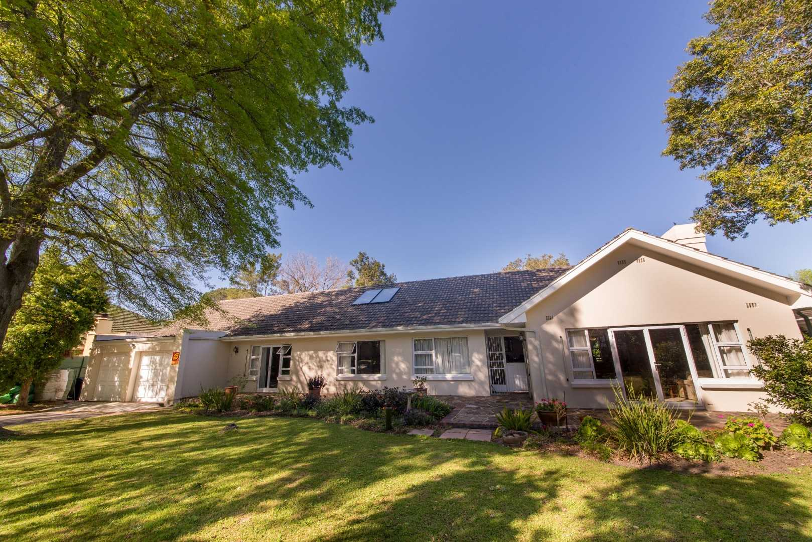 Magnificent Home in Prime Parel Vallei, Somerset West
