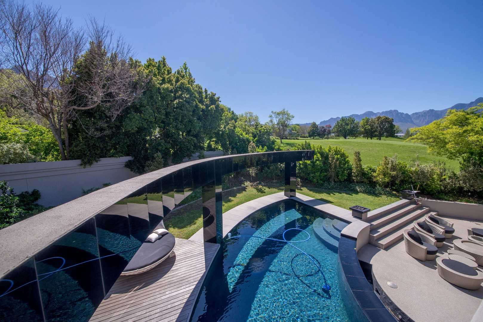 Stunning Modern Home in Prestigious Erinvale, Somerset West