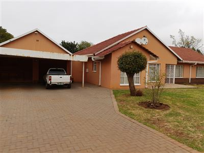 Klerksdorp, Flamwood Property  | Houses For Sale Flamwood, Flamwood, House 4 bedrooms property for sale Price:760,000