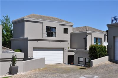 Townhouse for sale in Van Riebeeckshof
