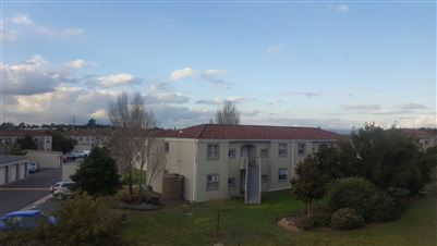 Property and Houses to rent in Sonstraal Heights, Apartment, 2 Bedrooms - ZAR ,  7,50*,M
