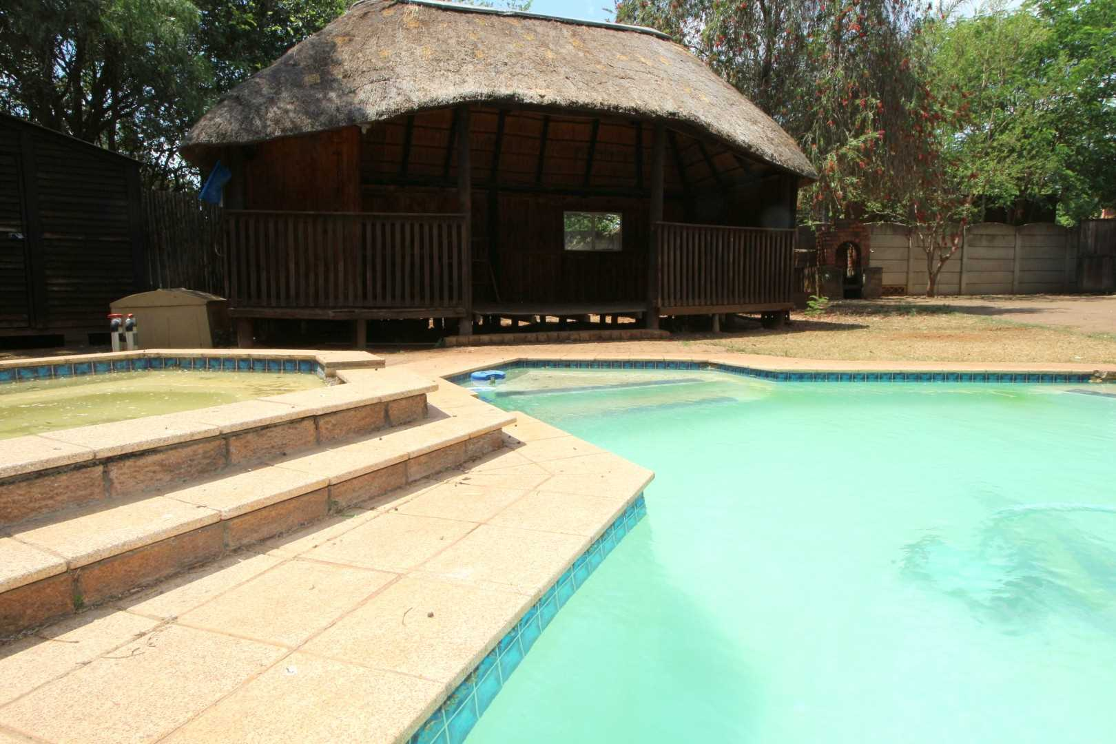 Pool and wooden lapa