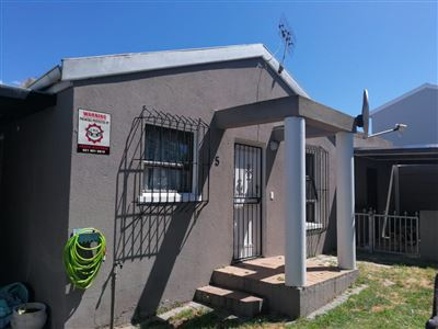 Townhouse for sale in Vredekloof