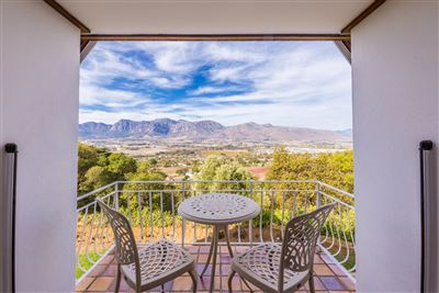 Property and Houses for sale in Paarl Central, House, 4 Bedrooms - ZAR 9,975,000
