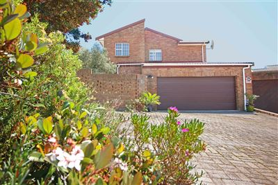 Durbanville, Vergesig Property  | Houses For Sale Vergesig, Vergesig, House 3 bedrooms property for sale Price:2,495,000