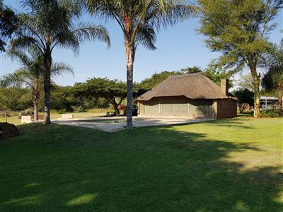 Property and Houses for sale in Derdepoort, House, 3 Bedrooms - ZAR 2,350,000