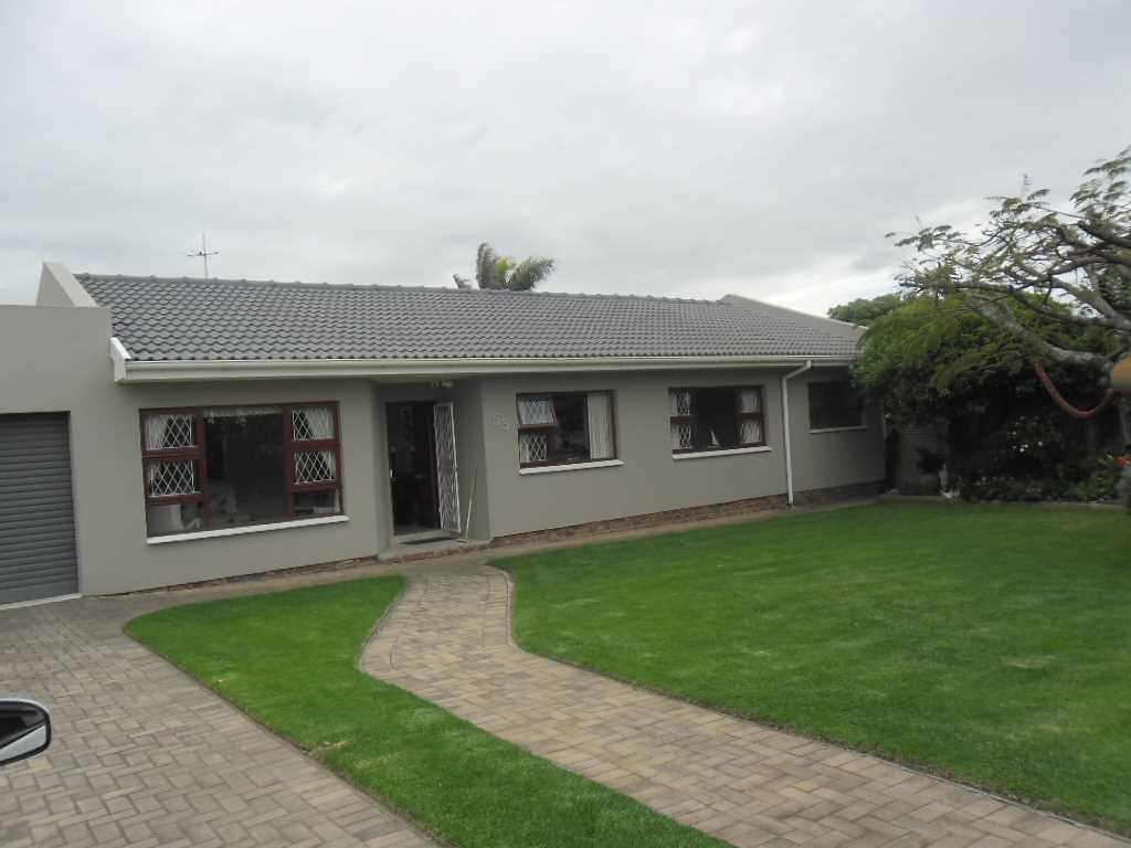 Immaculate house in Beacon Bay