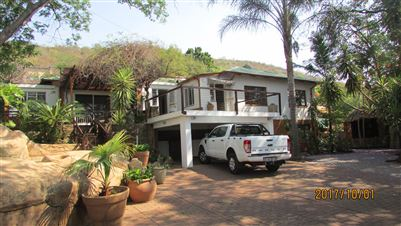 Property and Houses for sale in Riviera, House, 4 Bedrooms - ZAR 1,890,000