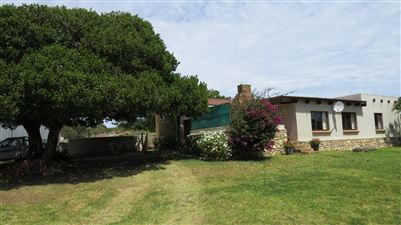 Property and Houses for sale in Jongensfontein, Farms, 2 Bedrooms - ZAR 2,990,000