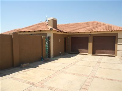 Property and Houses for sale in Vredefort, House, 3 Bedrooms - ZAR 645,000