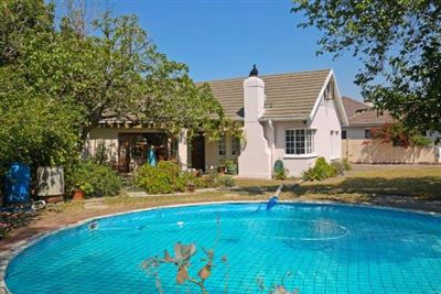 Property and Houses for sale in Pinelands, House, 5 Bedrooms - ZAR 3,995,000