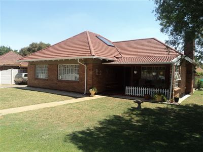 Property and Houses for sale in Vierfontein, House, 3 Bedrooms - ZAR 385,000