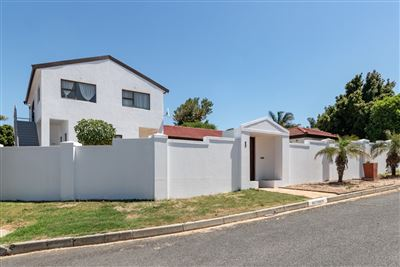 Bellville, Ridgeworth Property  | Houses For Sale Ridgeworth, Ridgeworth, House 4 bedrooms property for sale Price:2,990,000