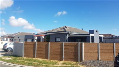 Kraaifontein, Viking Village Property  | Houses For Sale Viking Village, Viking Village, House 3 bedrooms property for sale Price:1,390,000