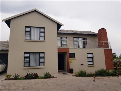 Cluster for sale in Eldo View