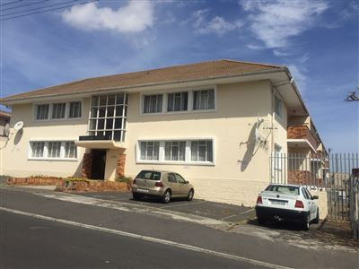 Property and Houses for sale in Parow Central, Apartment, 2 Bedrooms - ZAR 595,000