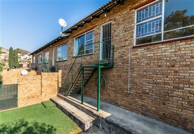 Krugersdorp, Rant En Dal Property  | Houses For Sale Rant En Dal, Rant En Dal, Townhouse 2 bedrooms property for sale Price:645,000