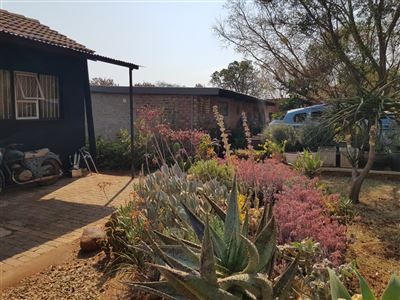 Kameeldrift East property for sale. Ref No: 13699774. Picture no 24